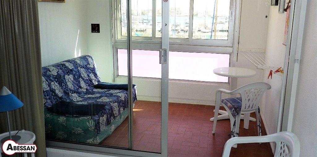 haus in le cap d agde zu verkaufen 1 zimmer 28 m2. Black Bedroom Furniture Sets. Home Design Ideas