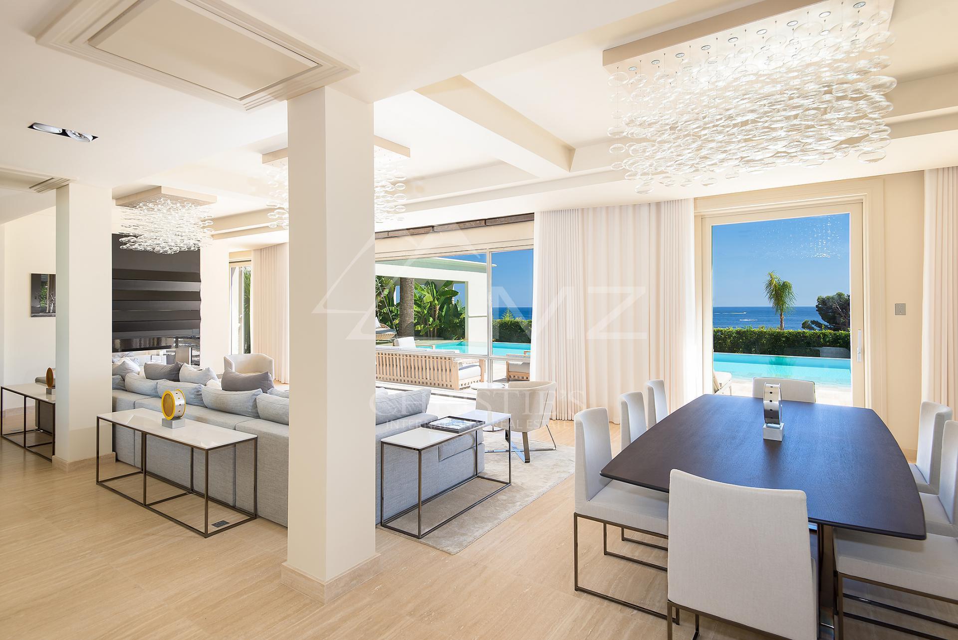 zum verkauf angeboten in eze haus 600 m2 7 zimmer. Black Bedroom Furniture Sets. Home Design Ideas