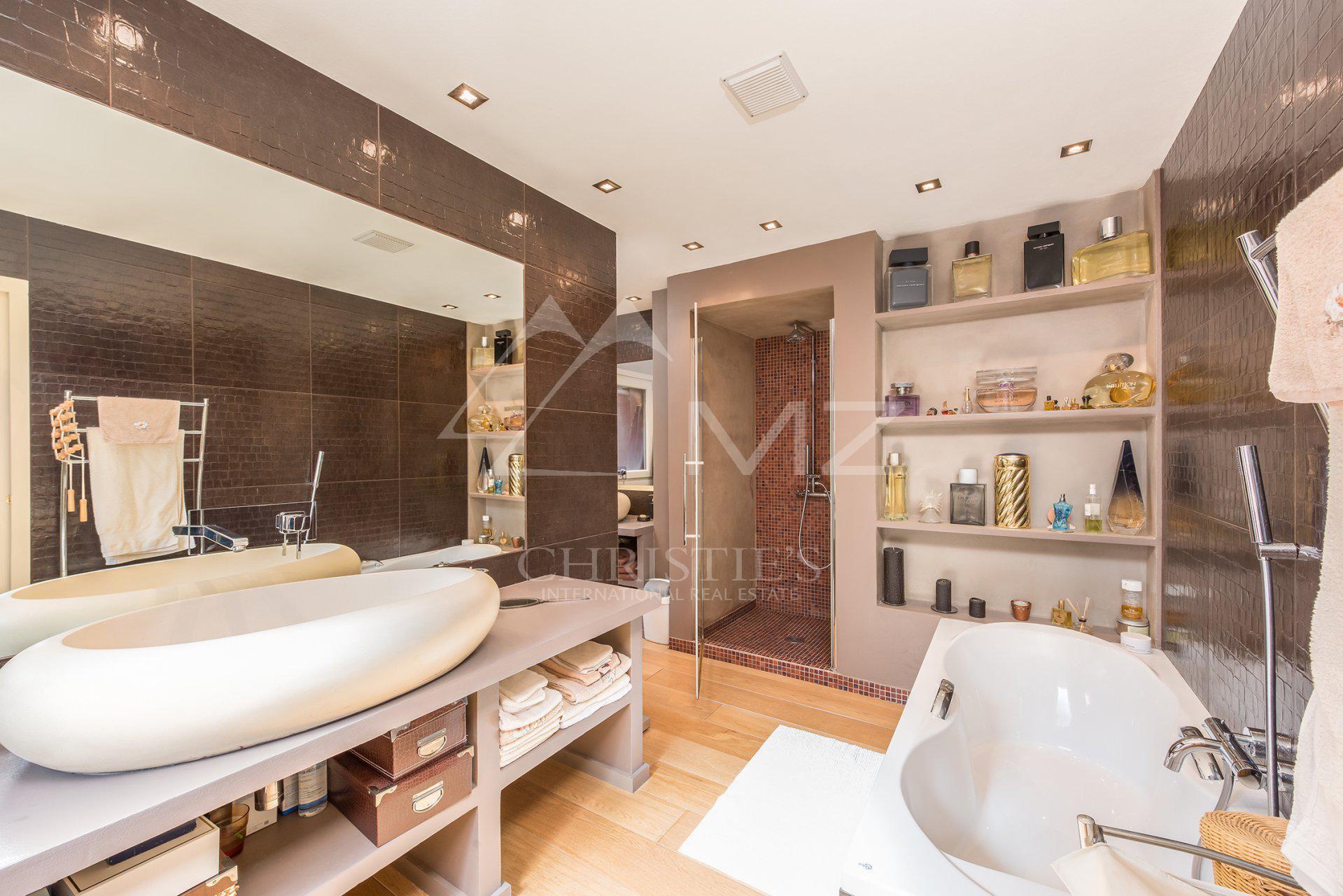 Villa 06160