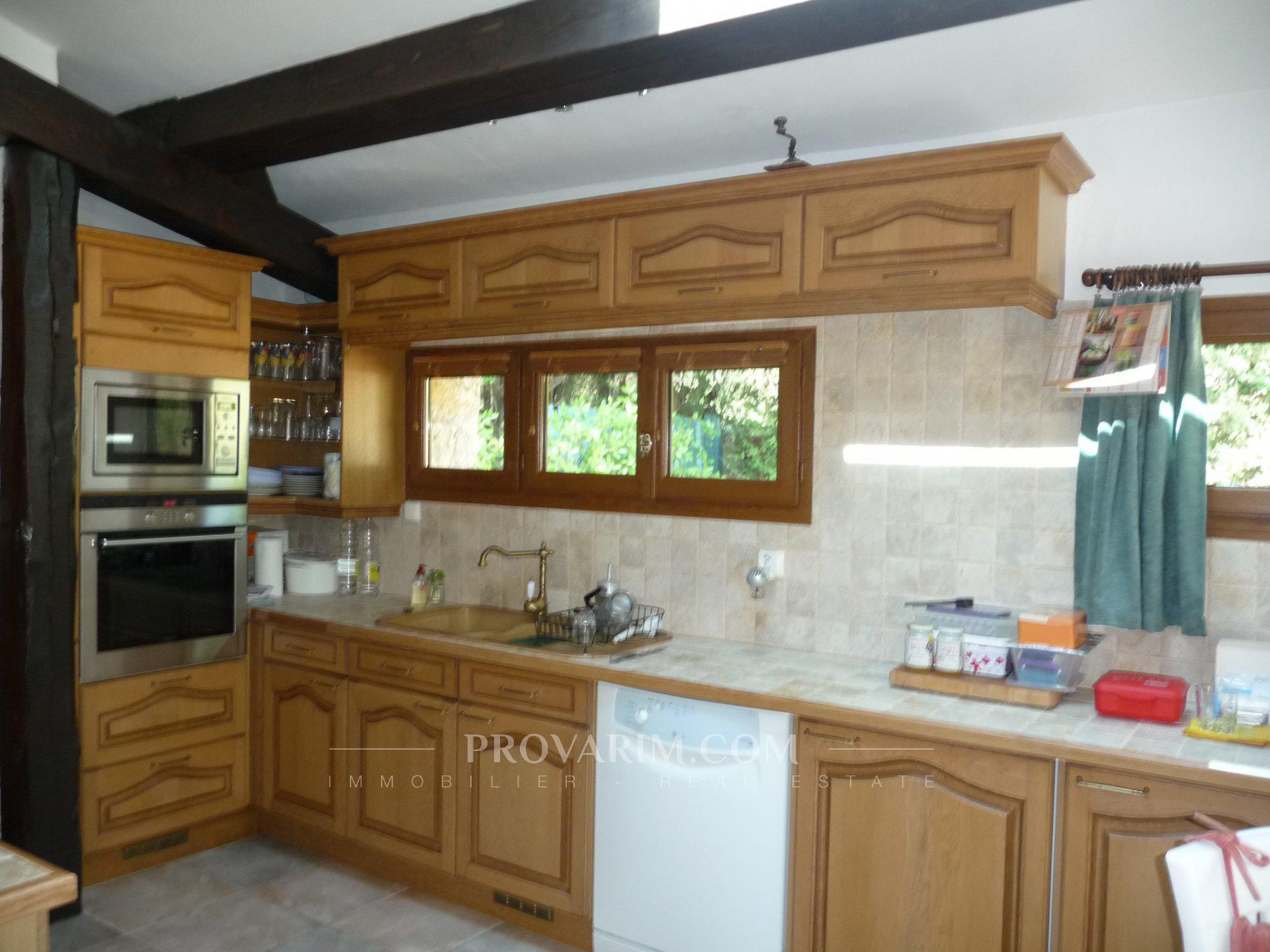 Betaalt de fayence oud gerenoveerd huis op een mooie vlakke kavel