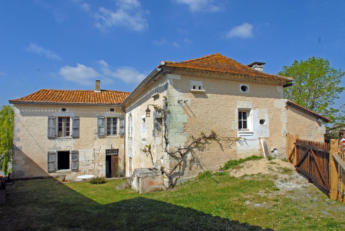 Casa 24320