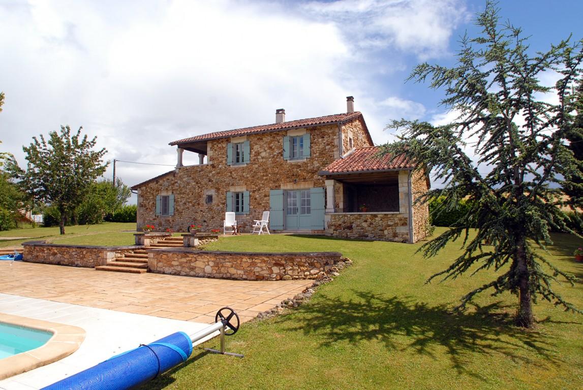 Casa 24310