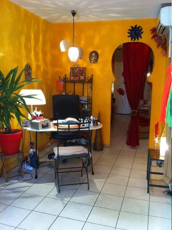 Salon d 39 esth tique parfumerie et onglerie - Salon esthetique lyon ...