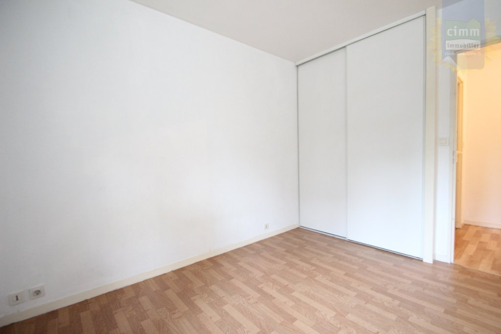 haus steht zum verkauf 48 m2 2 zimmer. Black Bedroom Furniture Sets. Home Design Ideas