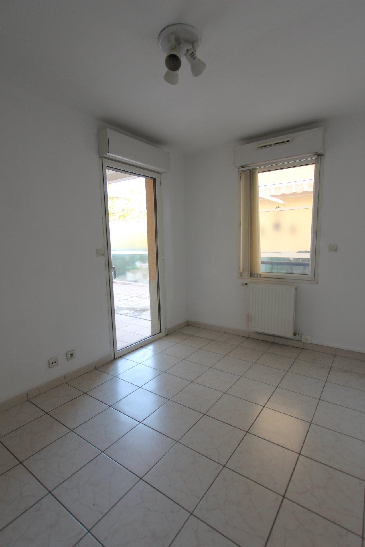 公寓 83300