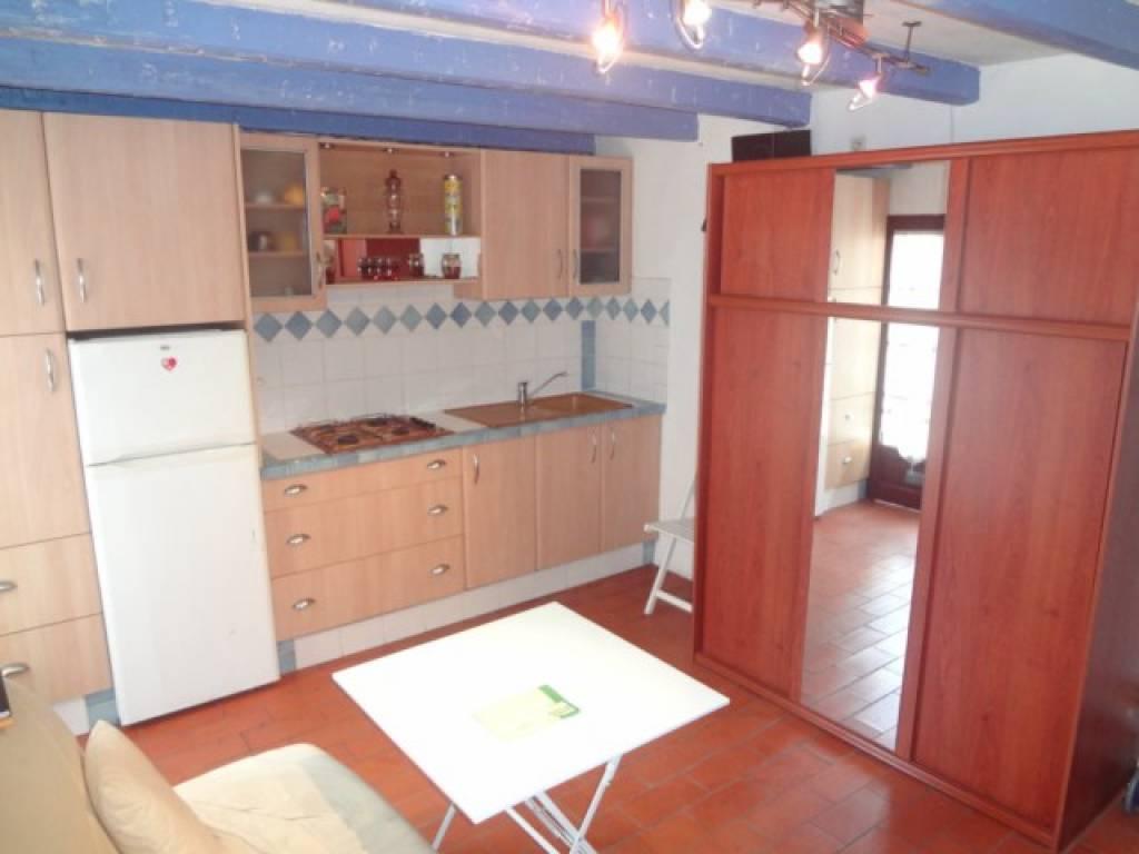 30 m2 2 zimmer haus zu verkaufen. Black Bedroom Furniture Sets. Home Design Ideas