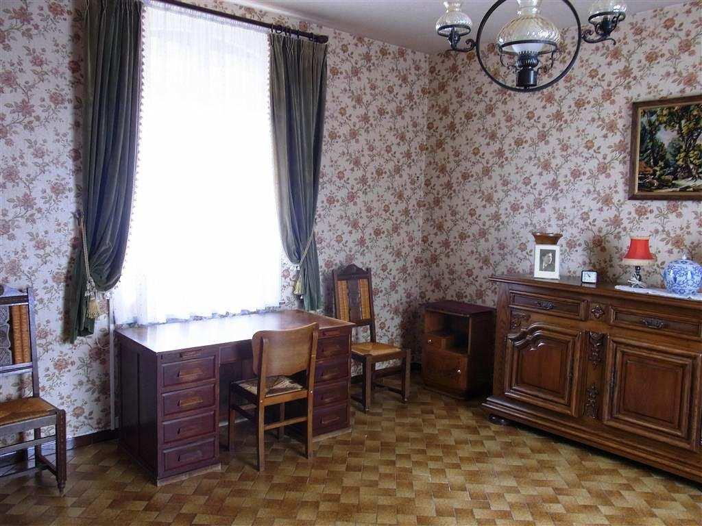 Huis 6 kamers 4 slaapkamers te koop for Slaapkamer te koop