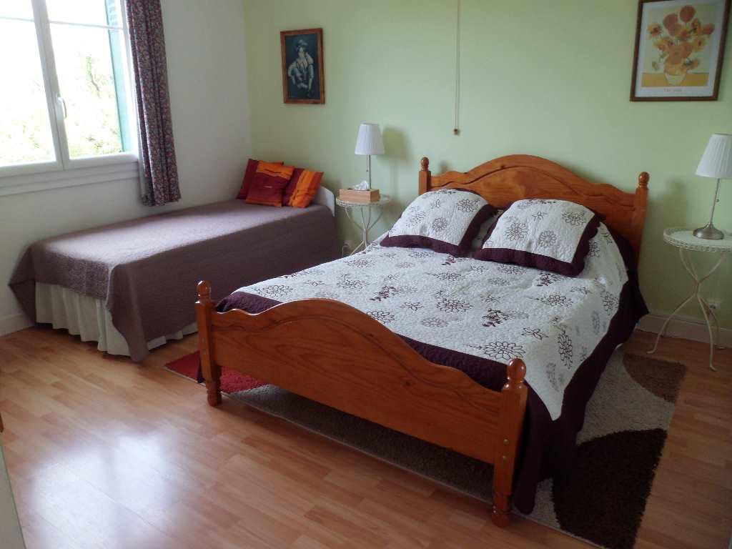 zum verkauf stehendes haus 7 zimmer 200 m2 wohnfl che. Black Bedroom Furniture Sets. Home Design Ideas
