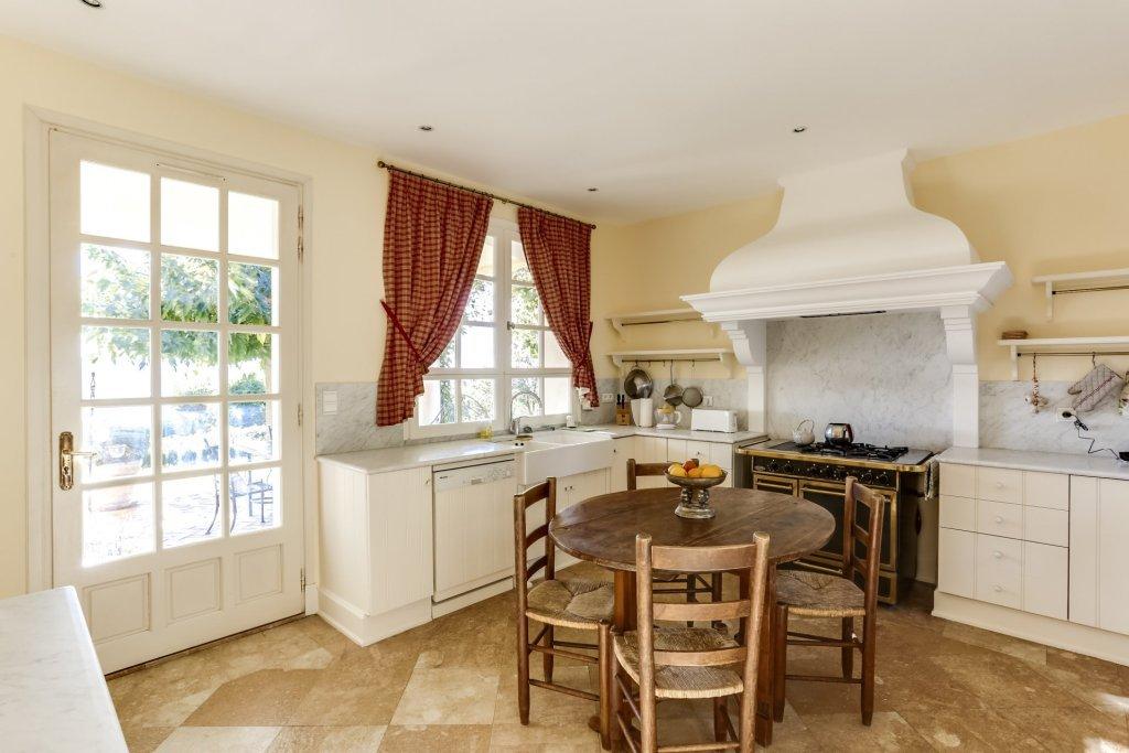Property 06370