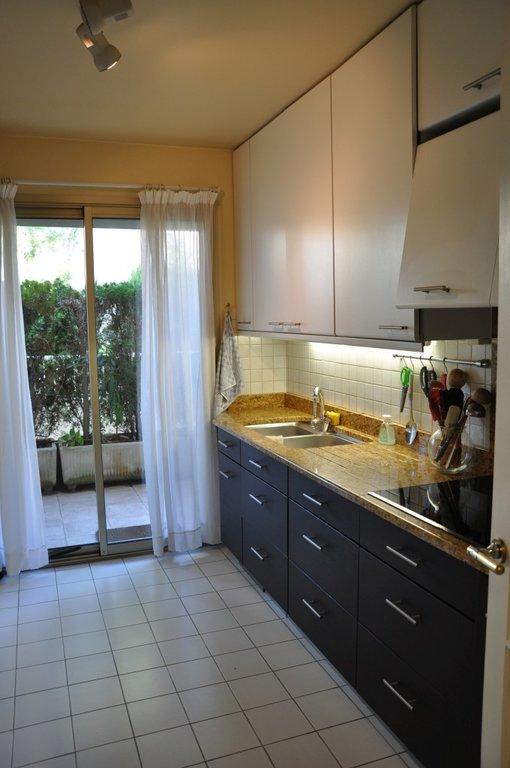 Apartment 06110